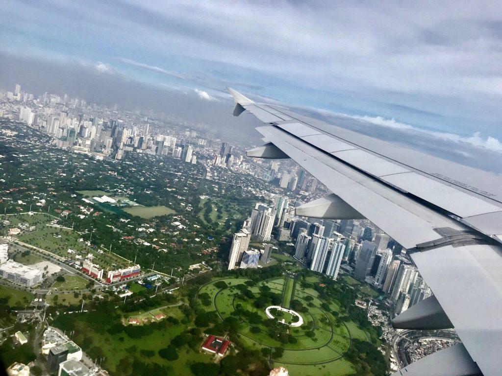 【 先日、日本からフィリピンのボラカイ島へ初めて荷物を送りましたが・・・】