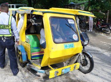 ボラカイ島のトライシクルが・・・