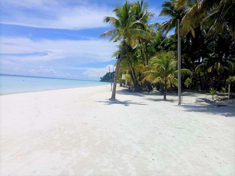 ボラカイ島の現状・・・5月20日(日)撮影のホワイトビーチ