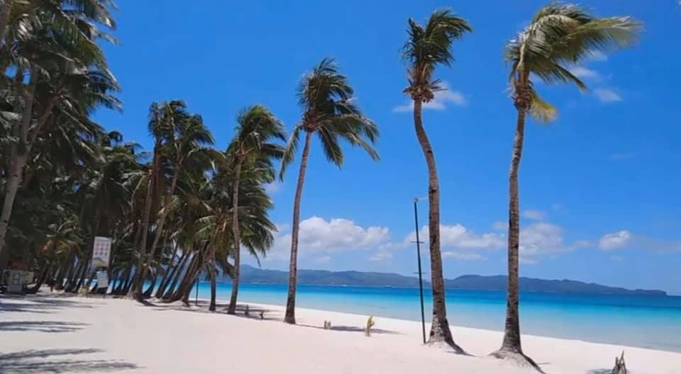 現在ロックダウン中のボラカイ島